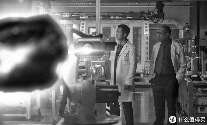 《正义联盟》导剪版继续发酵,扎导再推两位全新角色,郑恺饰演原子侠,火星猎人呼之欲出,达克赛德演员直接自曝