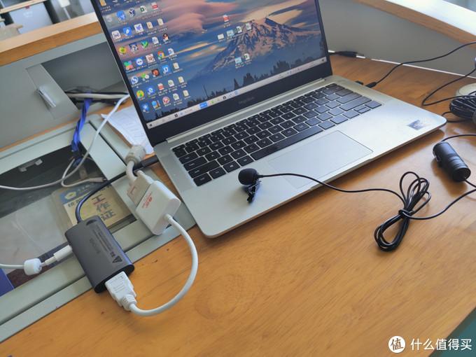 笔电USB接口不够用?这款拓展坞帮你全方位解决接口不够用的问题