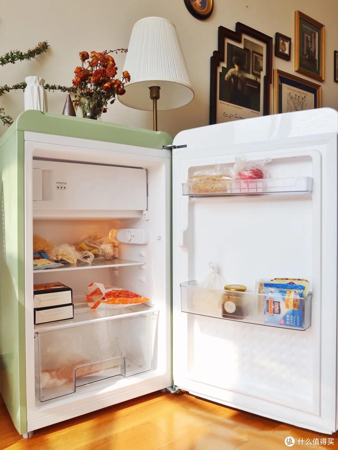 小吉冰箱种草:99%的冰箱都是大众脸,小吉迷你复古冰箱做剩下的1%
