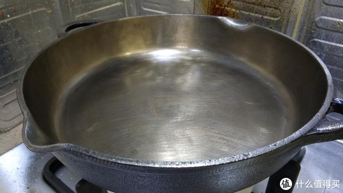 用两个周末打造一把终身使用的锅:一个硬核的铸铁锅打磨抛光及开锅记录