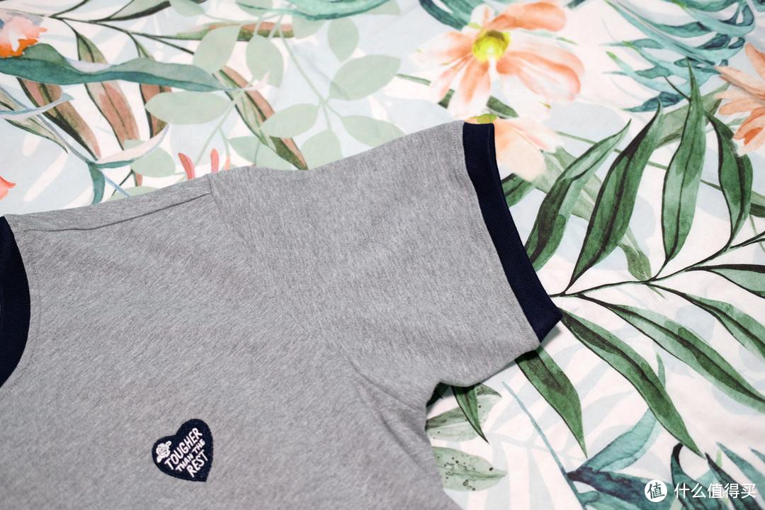 做工不错,质感偏厚,沾酱 ringer刺绣短袖T恤 入手体验