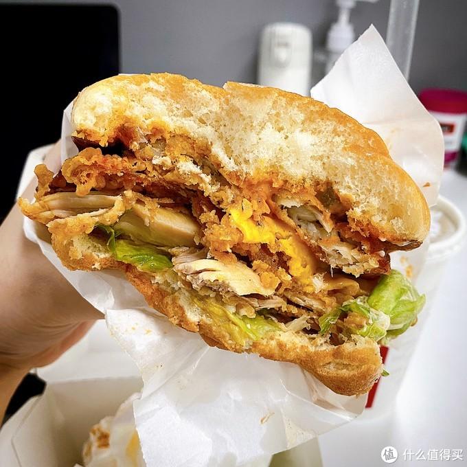 肯德基新品实测:脏脏鳕鱼鸡腿堡究竟好不好吃?