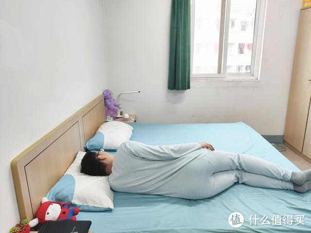绘睡80支贡缎四件套:100%新疆长绒棉,抗菌防螨,触感如丝般顺滑