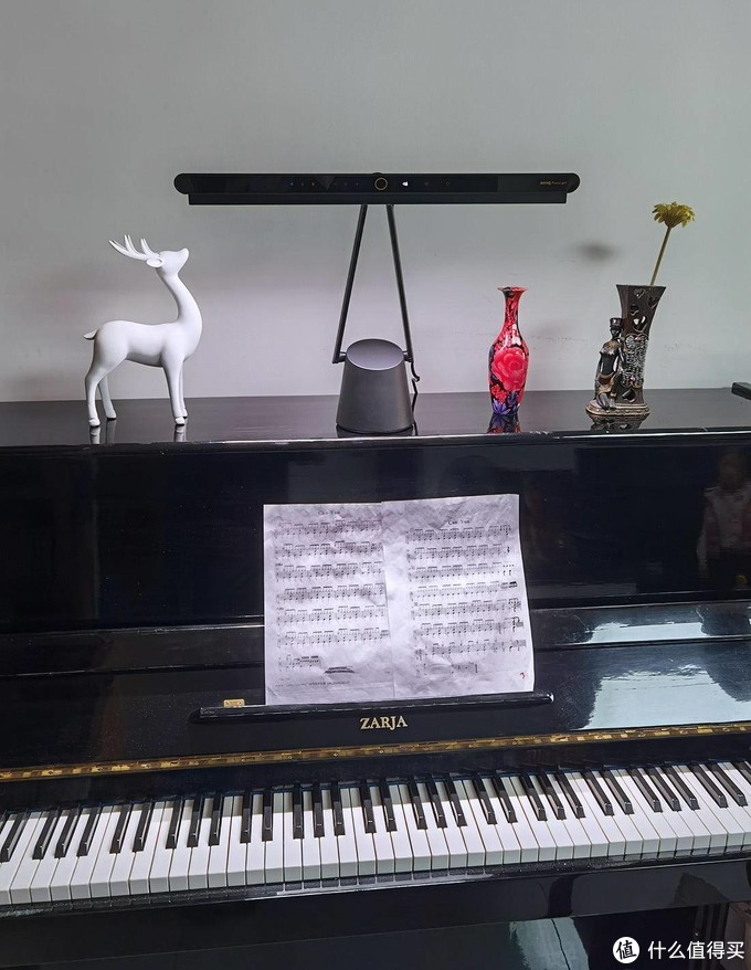 孩子钢琴练习老走神?你缺一款专业的钢琴灯