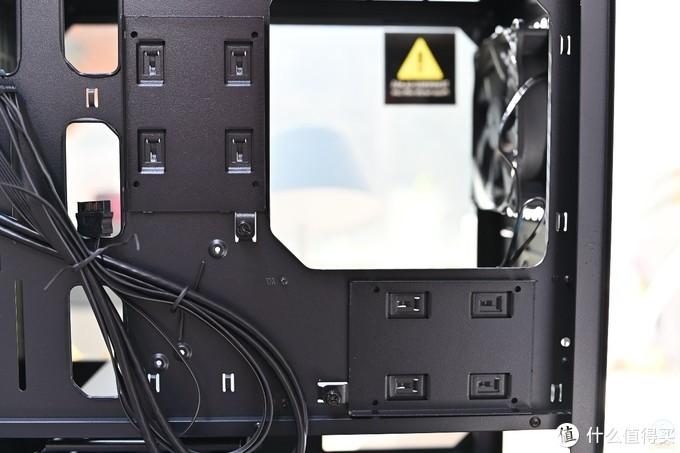 酷炫的暗黑系疾速战舰,安钛克弑星者DP301M机箱体验