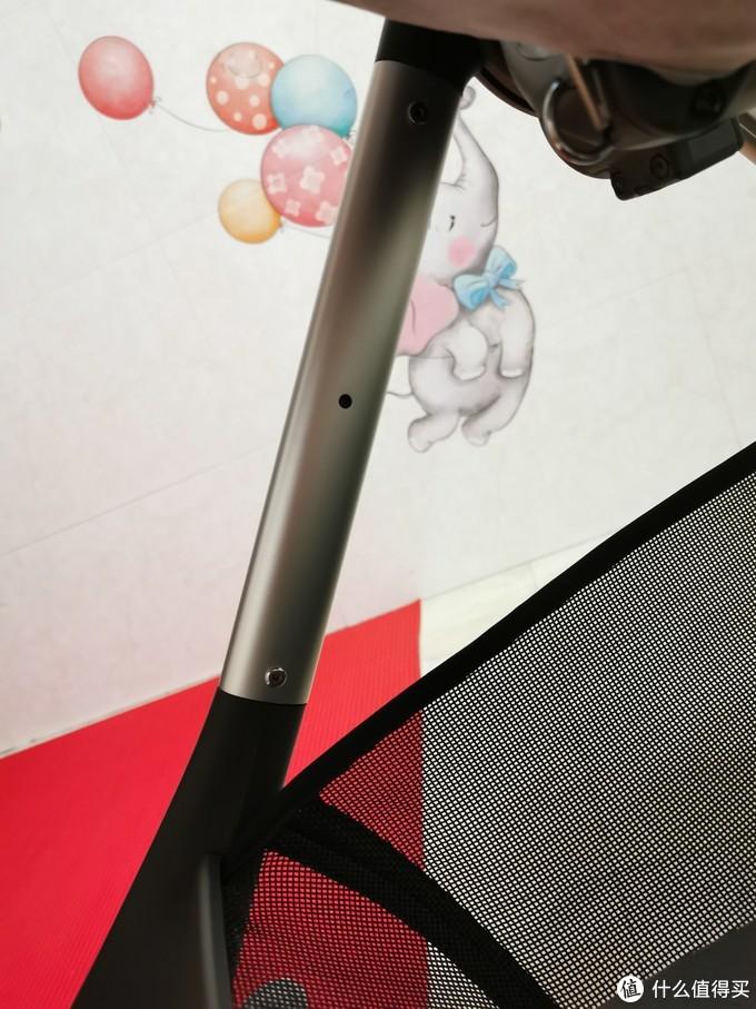 脚踏可以正反两边安装,反向安装有两个挡位,正向安装只有一个挡位