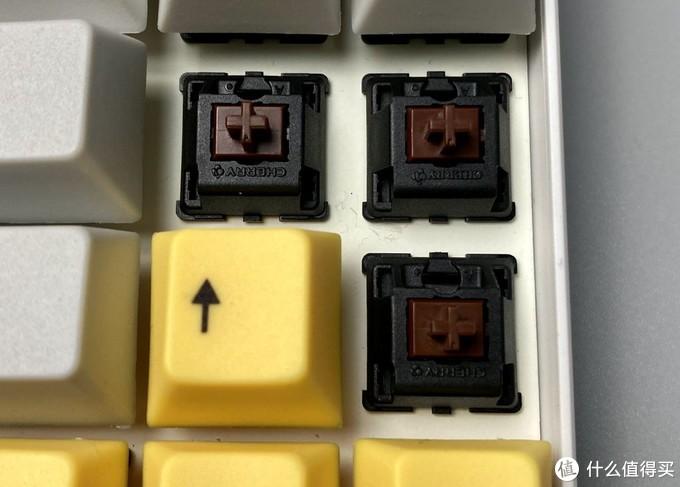 最适合程序员的帅气键盘:GANSSALT71/68蓝牙茶轴机械键盘