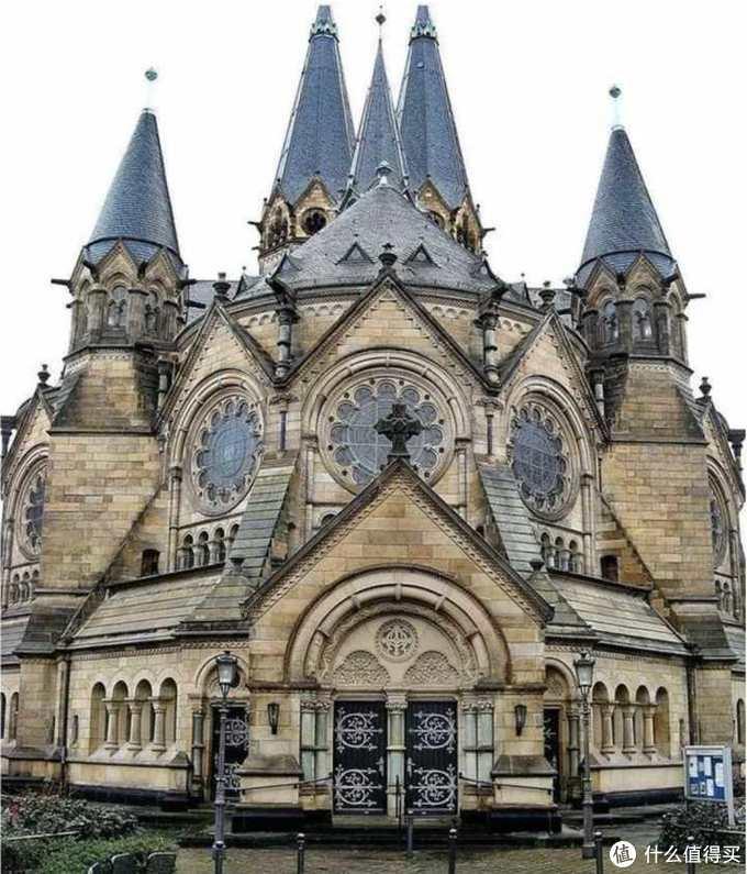 当我们参观欧洲教堂时,我们在欣赏什么?