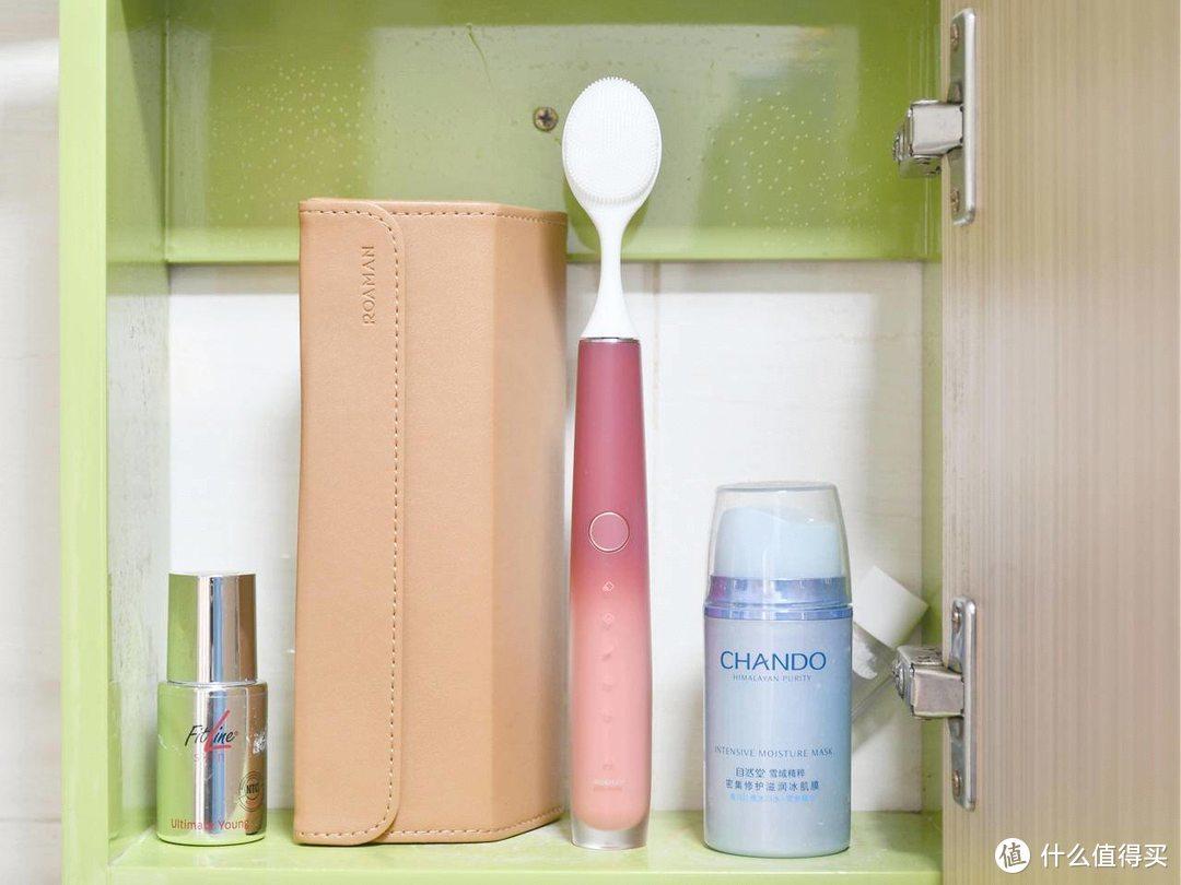 不光能清洁牙齿,还能做洁面仪-罗曼小心机电动牙刷体验