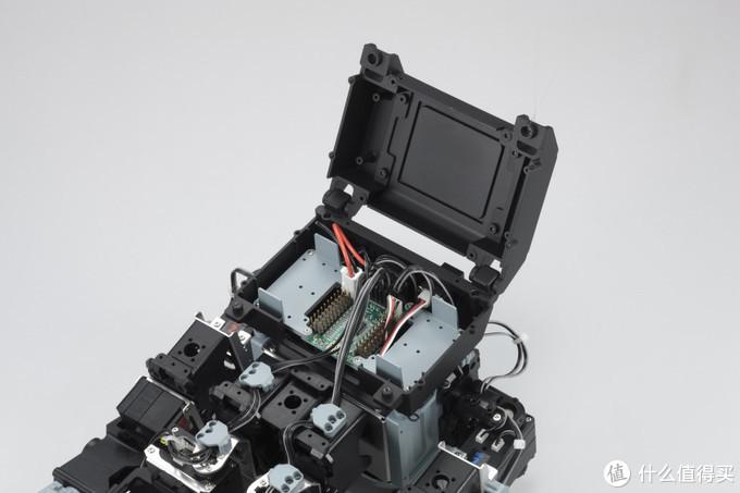 背包(控制板,3轴加速度,陀螺仪,手柄接收器等)