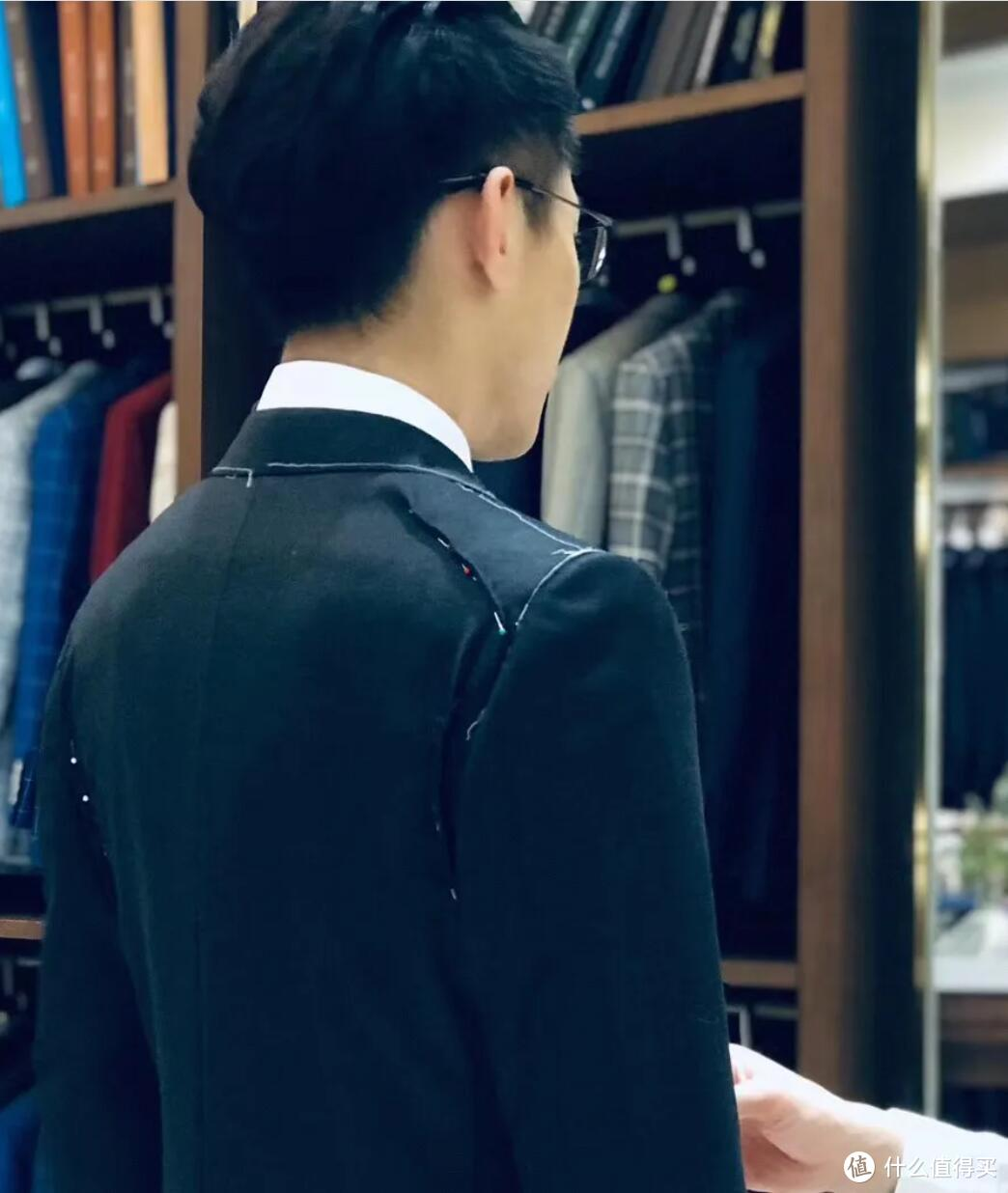 什么是标准的正装西服?