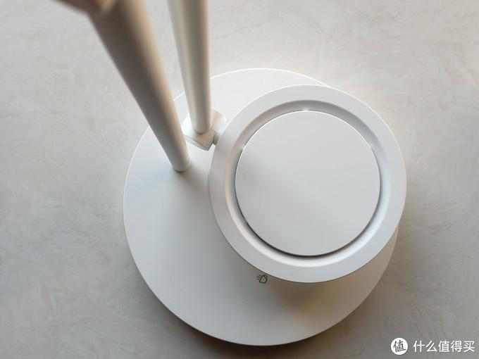 """质量颜值双双在线的""""大饼子""""——三思柔光护眼圆盘台灯小测"""