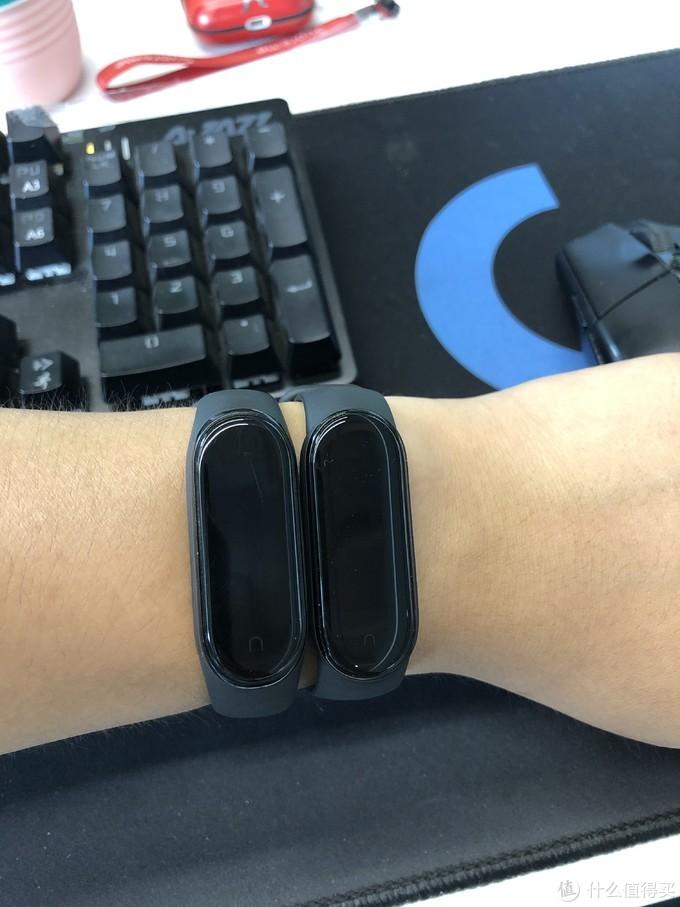 外观对比:小米手环5(左)、小米手环4(右)