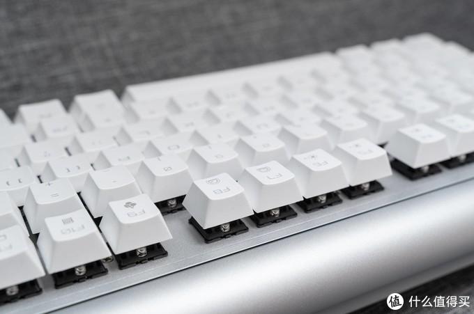 Cherry MX BOARD 8.0 机械键盘&Cherry MC 8.1 RGB游戏鼠标评测