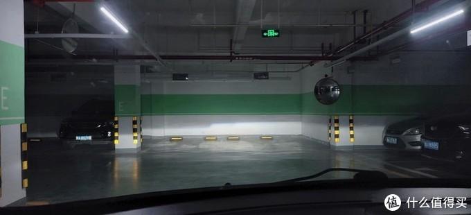 地下车库近光效果