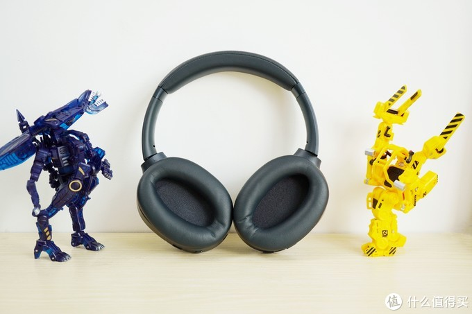 THX加持震撼声场,质感优秀多场景应用——Razer Opus雷蛇寂星鲨头戴式主动降噪耳机