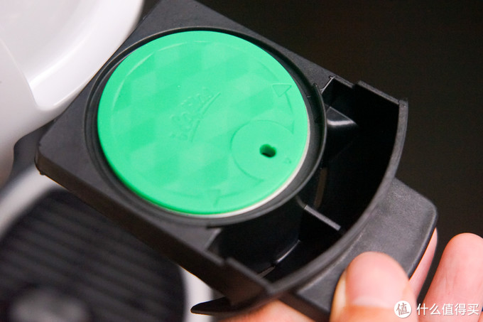不锈钢胶囊壳盖上的注水孔一定要对准正后方(前方是机器)