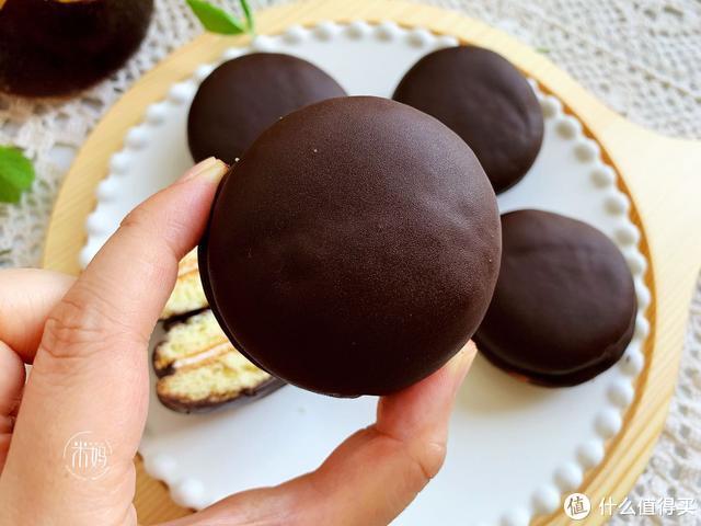巧克力派不用出去买了,1杯面1个鸡蛋,在家就能做,口感超赞