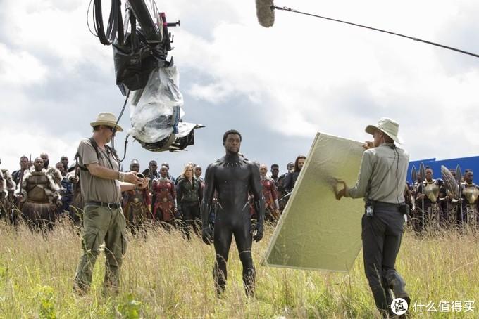 喜迎《复联3》登陆迪士尼+,一组全新的影片幕后照曝光,雷神与队长优雅畅谈,浣熊格鲁特以真人形态现身