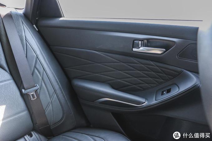 三十而立购车记,2019款亚洲龙2.5L