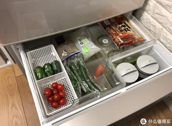 分隔清晰、食材分类清楚的果蔬冷藏室赏心悦目,让人胃口大开