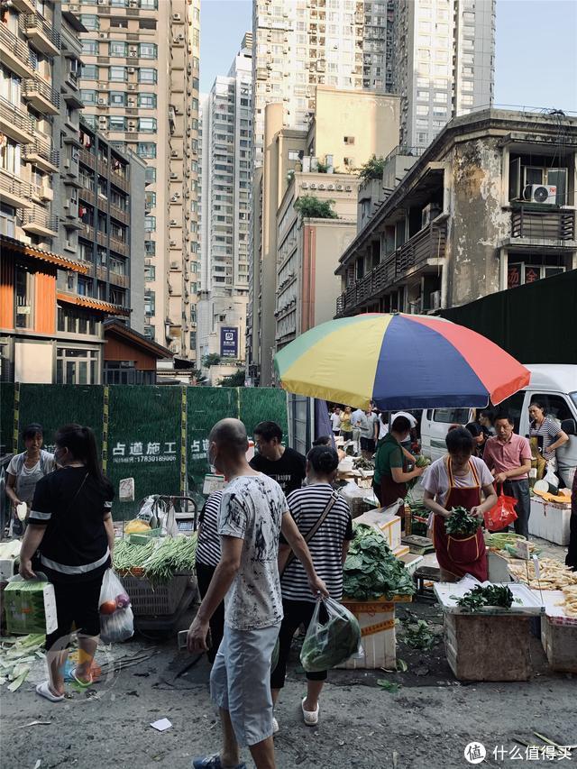 解放碑背后的老重庆:鲁祖庙菜市场,是山城市井文化的真实写照