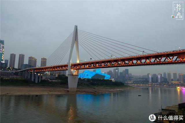 """漫游山城:重庆的两对双胞胎大桥,人气差异大,还要分""""公母"""""""
