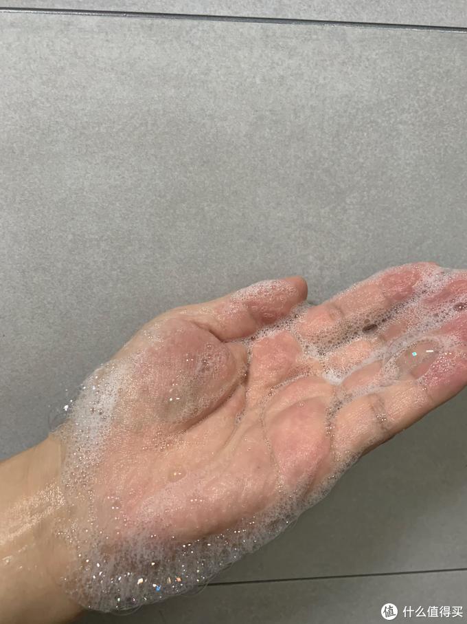 """谁说只有""""皂滑弄人""""?这10款平价沐浴露一样可以让你爽滑一夏!"""