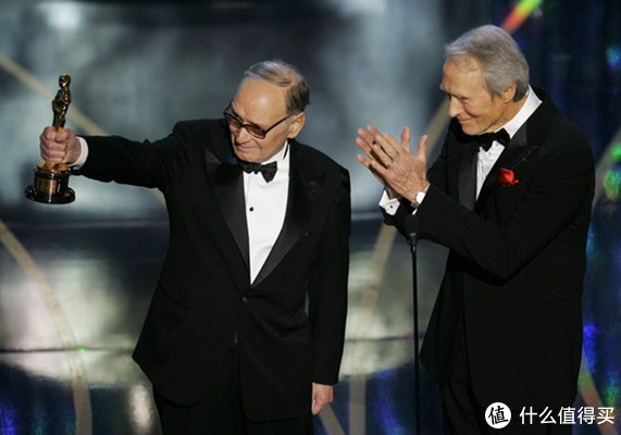 意大利电影配乐大师埃尼奥·莫里康内去世,享年91岁。曾为《荒野大镖客》三部曲 、《天堂电影院》《西西里美丽传说》《美国往事》《海上钢琴师》配乐