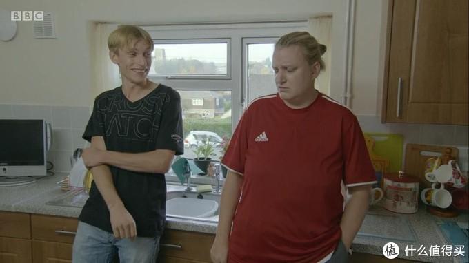 脑残青年欢乐多!沙雕爆笑最新英国BBC喜剧推荐