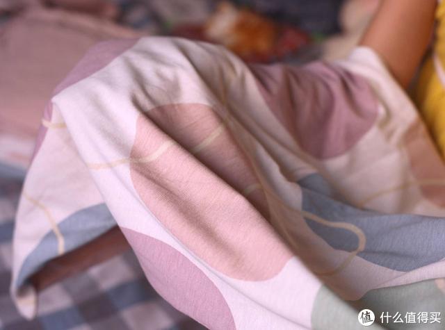 像妈妈的怀抱般温暖,愉悦之家裸感超柔抗菌针织套体验