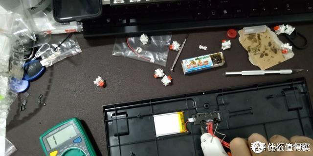 超低成本DIY 优联无线+热插拔+防尘红轴 87键公模无线机械键盘