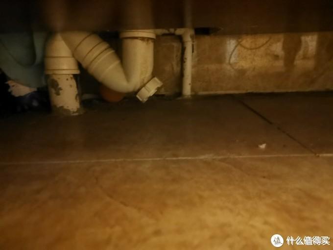 卫生间总是臭,装修公司老板的告诉你应该怎么办。