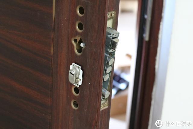 C级锁芯+5D安全防护技术,TCL物联网智能锁安全杠杆滴
