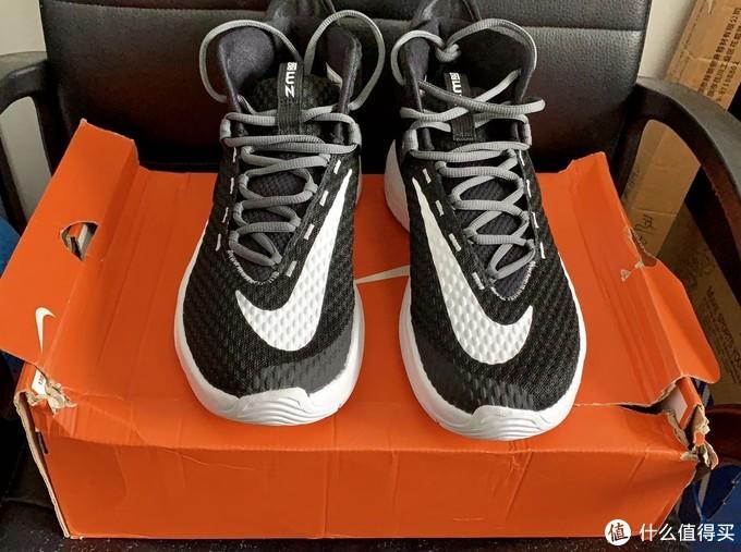 简约但不简单的实战极品战靴-Nike Zoom Rize