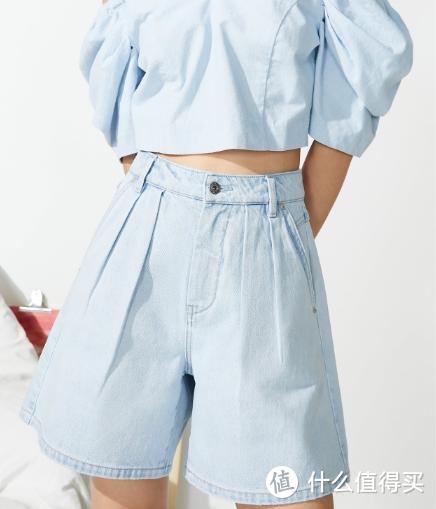 梨形身材的妹子夏季该怎么选择合适短裤?