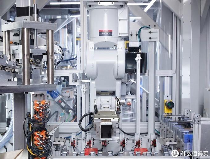 苹果公布最新iPhone拆解机器人Dave:稀土和钨回收神器
