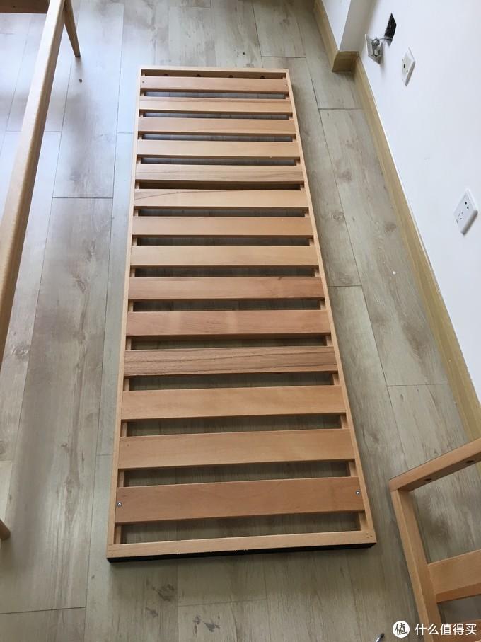 床板是整装发货的,榉木材质
