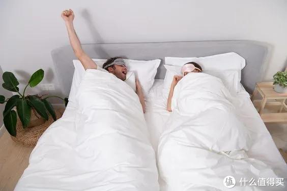 当代夫妻婚姻生活曝光:分床、分卧室、分客厅,「纯友谊」式婚姻,也太爽了!
