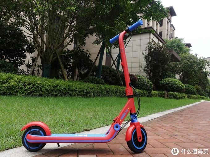 乐迪加速,九号儿童电动滑板车E8超级飞侠版使用体验