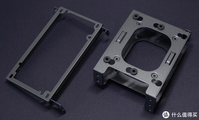 分形工艺(Fractal Design) Era ITX机箱 SFX电源及2.5英寸硬盘安装架分解