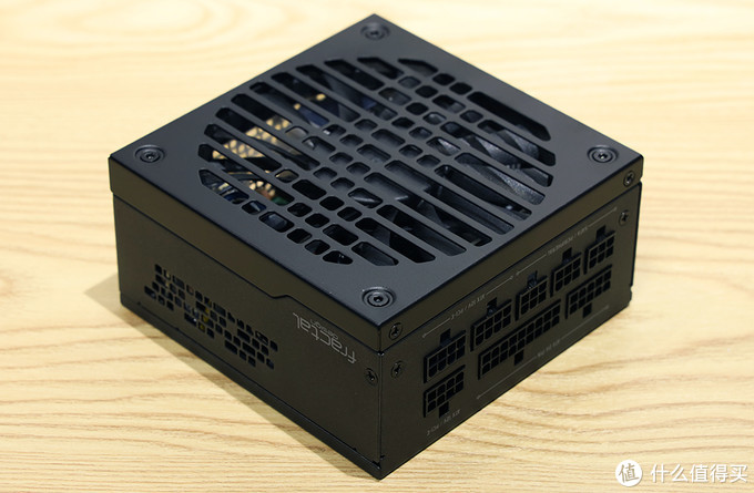 分形工艺(Fractal Design) ION SFX-L电源 外观②