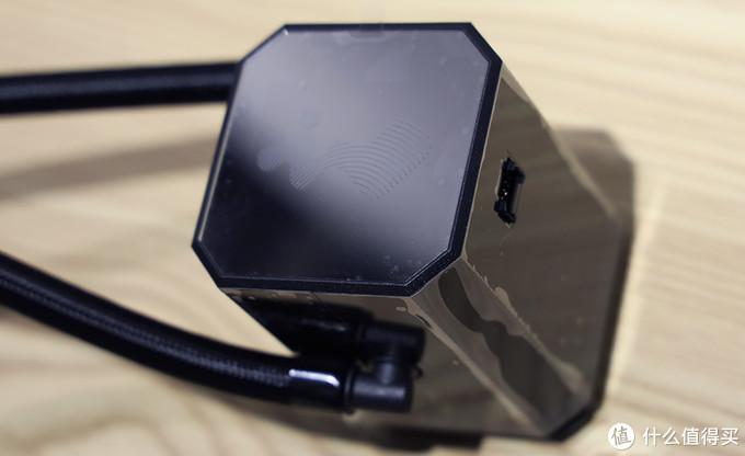 迎广(IN WIN)SR24 一体式CPU水冷散热器 外观③
