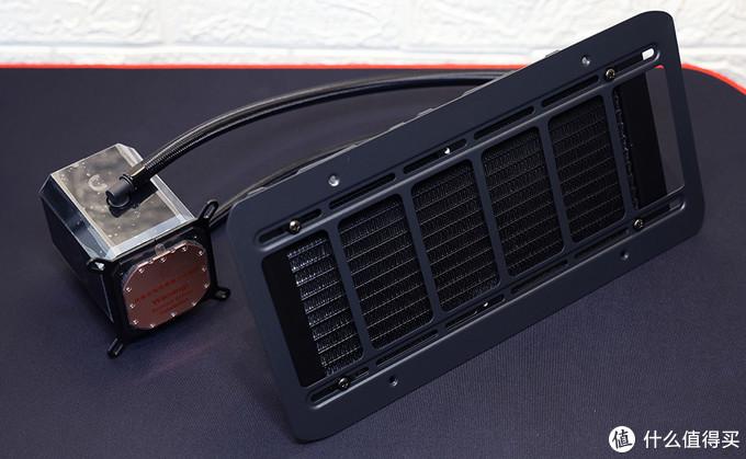 迎广(IN WIN)SR24 一体式CPU水冷散热器 适配Era机箱安装架效果