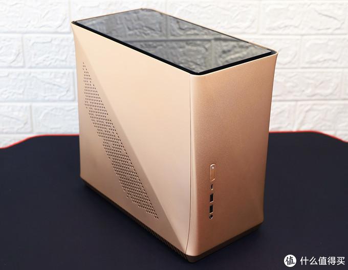 10代酷睿ITX平台 主机玻璃上盖适配效果
