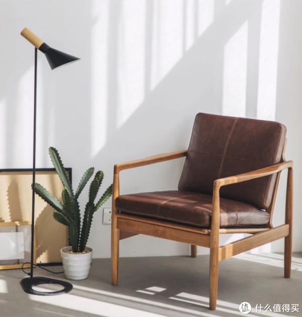 木邻真皮实木单人沙发在小米有品发售,助你享受舒适优雅片刻~