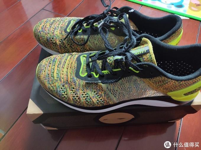 119元的轻薄与透气,李宁超轻14跑鞋简晒