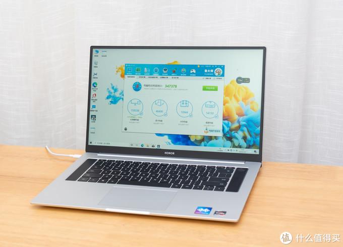 14、15.6、16.1到底怎么挑?荣耀MagicBook三款笔记本对比开箱~