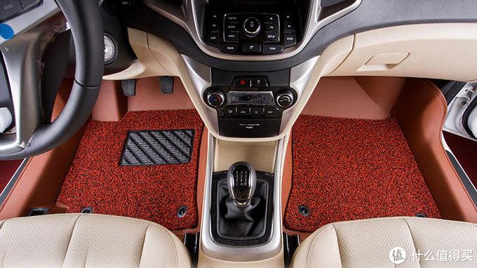 让汽车内饰干净整洁,汽车脚垫不能少