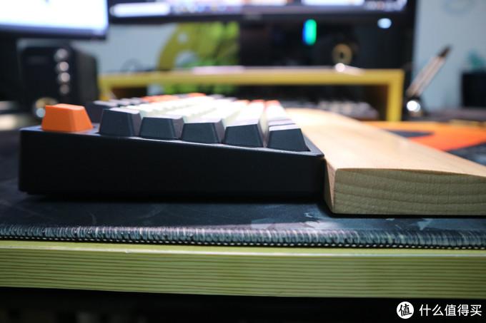我的第一把无线键盘--IKBC W200 红轴
